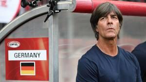 Bundestrainer Joachim Löw muss sich vor der WM in Russland noch von vier Spielern trennen