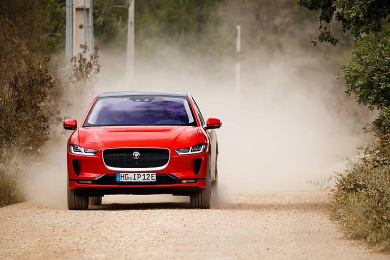 Jaguar I-Pace 400 AWD - kann auch abseits befestigter Straßen überzeugen