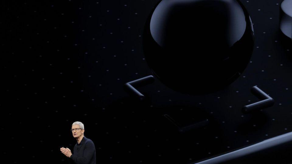 Apple WWDC uiOS 12 iPhone macOS Tim Cook