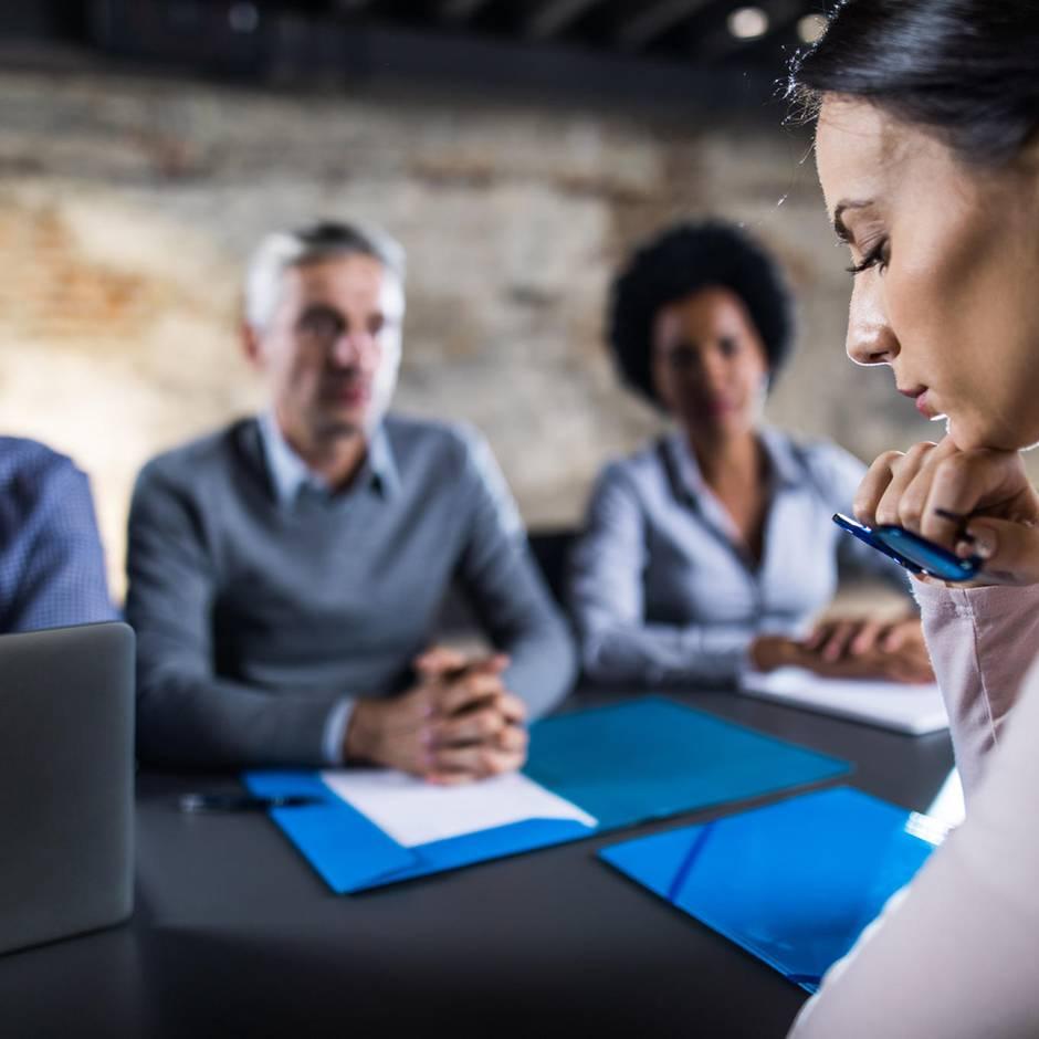 Job-Knigge: Im Bewerbungsgespräch sollten Sie diese Frage auf keinen Fall stellen