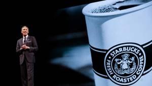 Starbucks-Chef Howard Schultz spricht auf einer Tagung