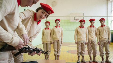 """Die Jugendorganisation """"Junarmija""""Iín der kalmückischen Kreisstadt Zagan-Aman ist in der Region sehr beliebt.Seit der Gründung im Sommer 2016 haben sich landesweit 230.000 Jugendliche angemeldet."""