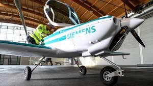 "Elektro-Flugzeug ""eFusion"" mit Siemens-Antrieb"