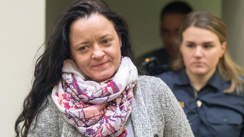 Beate Zschäpe im Gerichtssaal desOberlandesgerichts in München