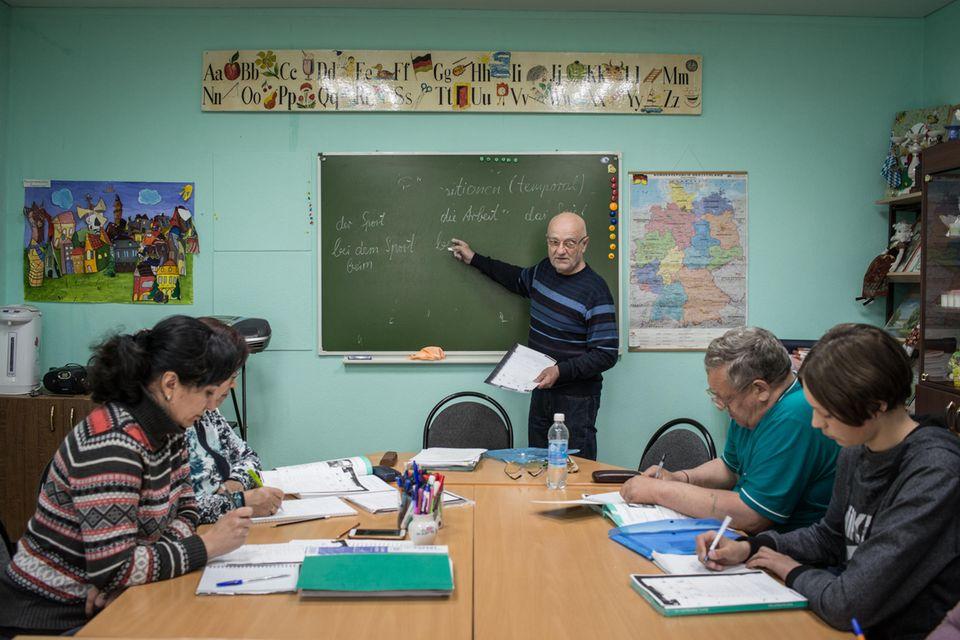 Deutschunterricht, für diejenigen, die immer noch aus Russland nach Deutschland auswandern wollen.