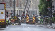 London: Wegen eines Brands in einem Londoner Luxushotel ist die Feuerwehrzu einem Großeinsatz ausgerückt.