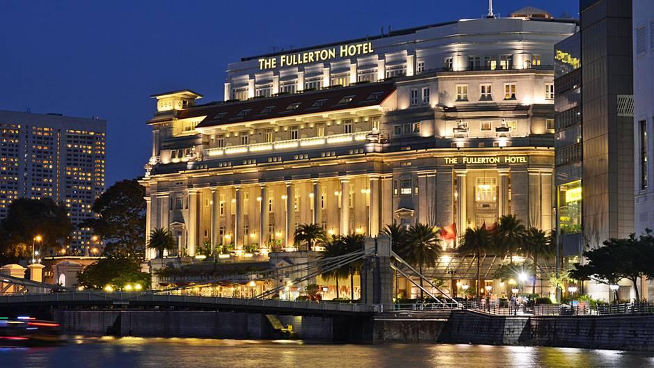 """Was für ein prächtiger Palast für den """"Obersten Führer"""" der Demokratischen Volksrepublik Korea. Wie die Medien berichten, soll Kim Jong Un im Fullerton Hotel residieren, das in bester Lagean der Mündung des Singapore Rivers in die Marina Bay liegt."""