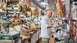 Bisschen was essen, bisschen was trinken: Bei Matteo Tomljanovich im Volpetti in der Via Marmorata geht das ausgezeichnet.