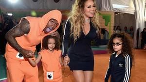 Nick Cannon und Mariah Carey mit ihren KindernMoroccan und Monroe (r.)