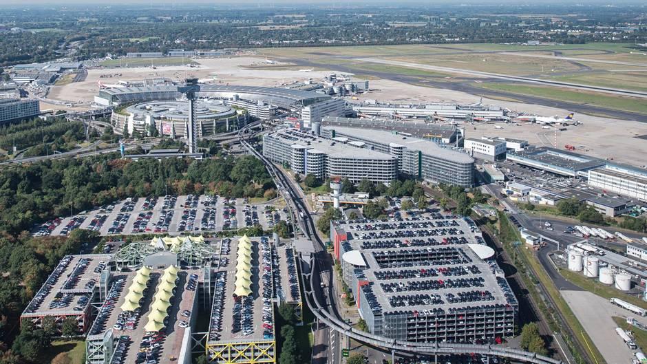 """Vom Flughafen Düsseldorf reiste die Familie des Tatverdächtigen im Mordfall Susanna aus. Doch die Bundespolizei sagt dazu:Die vorgelegten Dokumente waren echt, gültig und berechtigten zur Ausreise"""""""