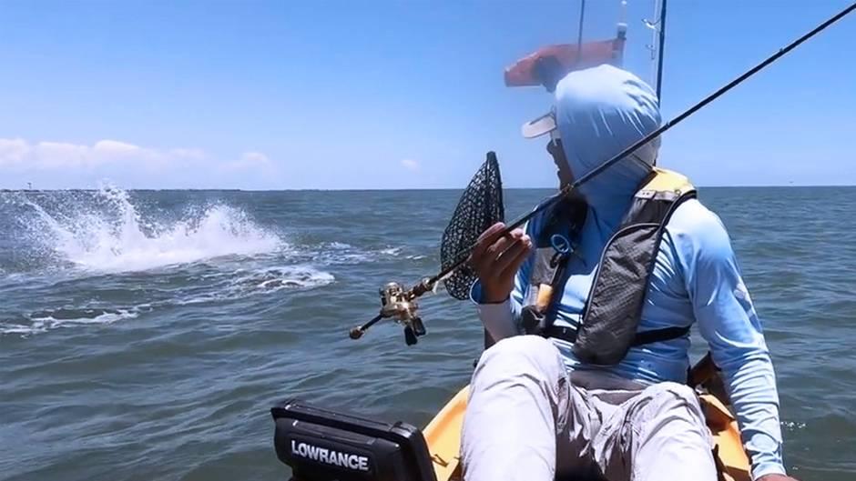 Freeport in Texas: Rochen überrascht Angler mit Sprüngen – das kann böse enden