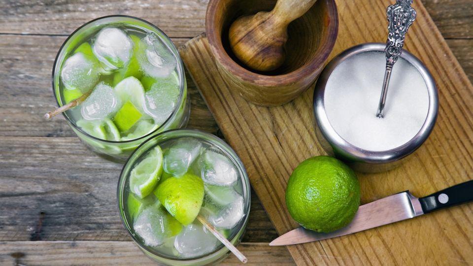 Cocktails: Ein Barkeeper verrät, was in jede Hausbar gehört - eine Zutat nutzt man sonst beim Frühstück