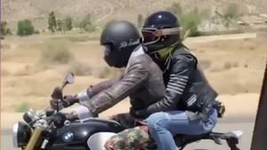Heidi Klum und Tom Kaulitz auf dem Motorrad zum Liebescamping in die Wüste