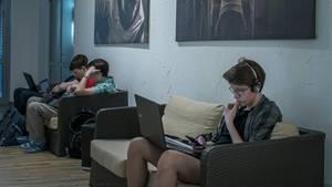 Russland: Studenten lungern auf den Fluren des Fitness-Zentrums von Innopolis herum.
