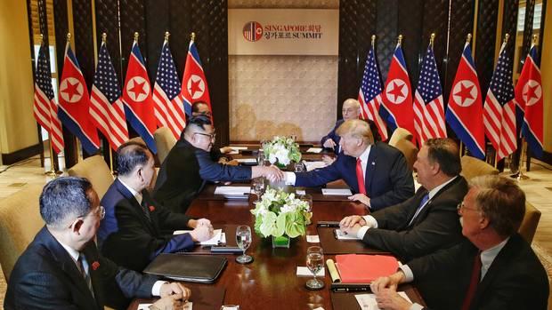 Erstes Gespräch in größerer Runde bei Singapur-Gipfel beendet