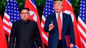 US-Präsident Donald Trump (r.) mitNordkoreas Diktator Kim Jong Un