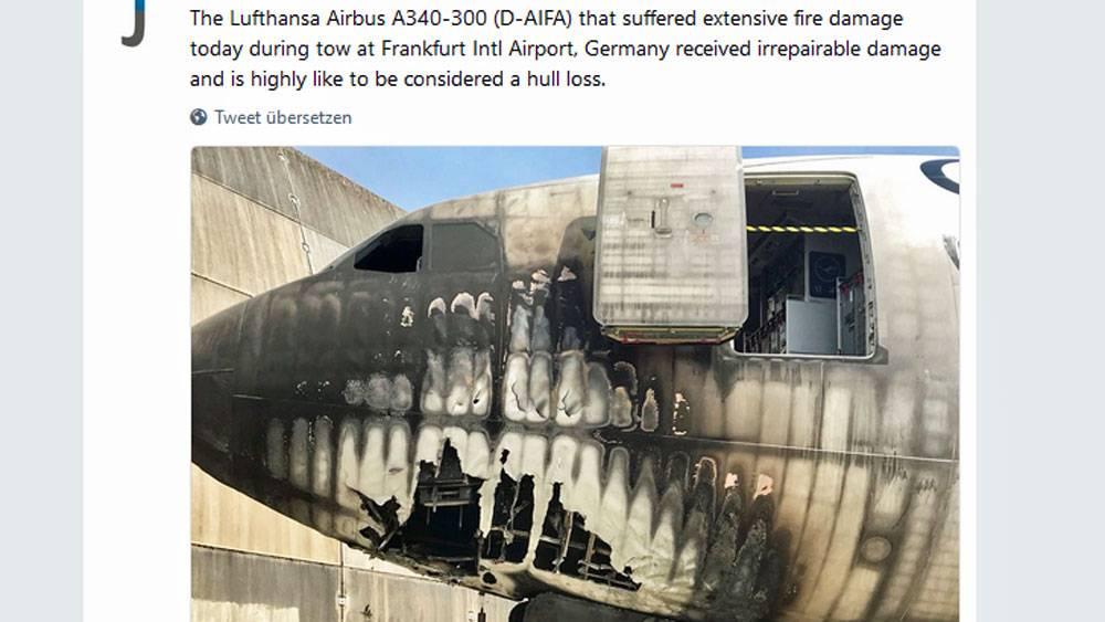 Lufthansa Airbus Schwer Beschädigt Flugzeugschlepper Brennt In