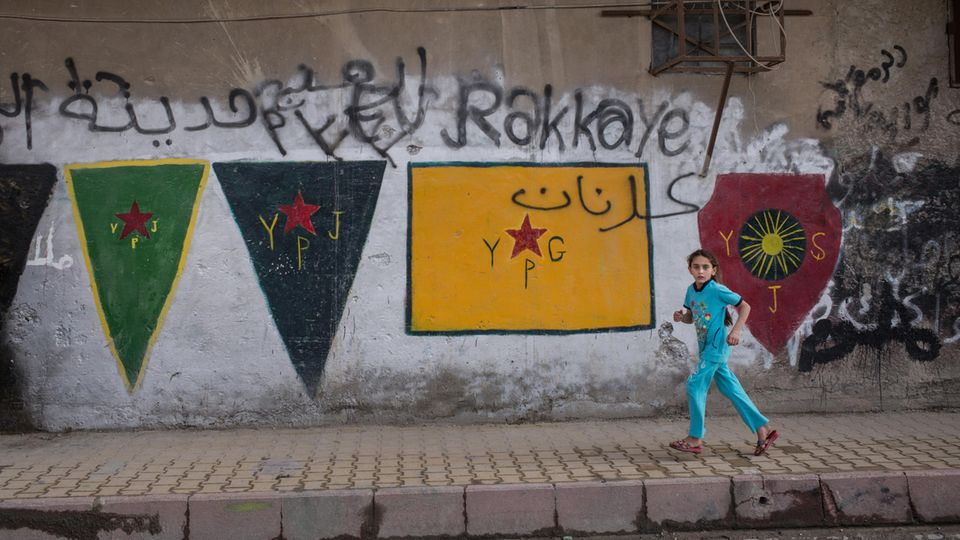 Farbtupfer: Graffiti der kurdischen Befreier