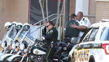 Polizisten am Tatort der Geiselnahme in Florida