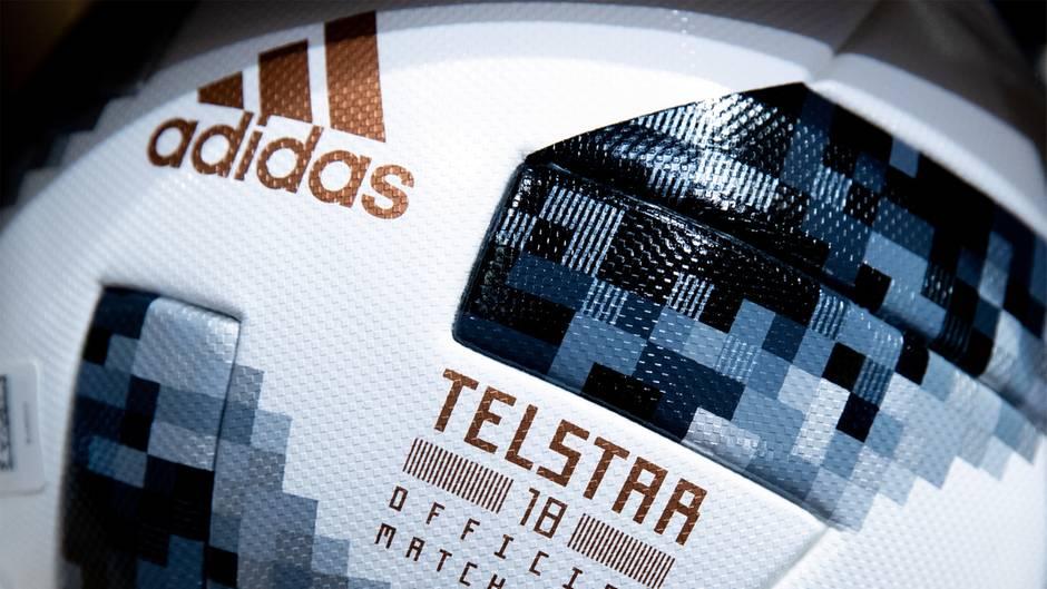 """Adidas stellt den offiziellen WM-Ball """"Telstar"""""""