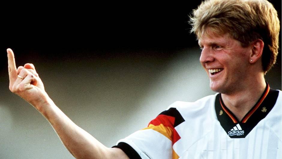 Stefan Effenberg versaut mit seinem Stinkefinger 1994 die Titelverteidigung