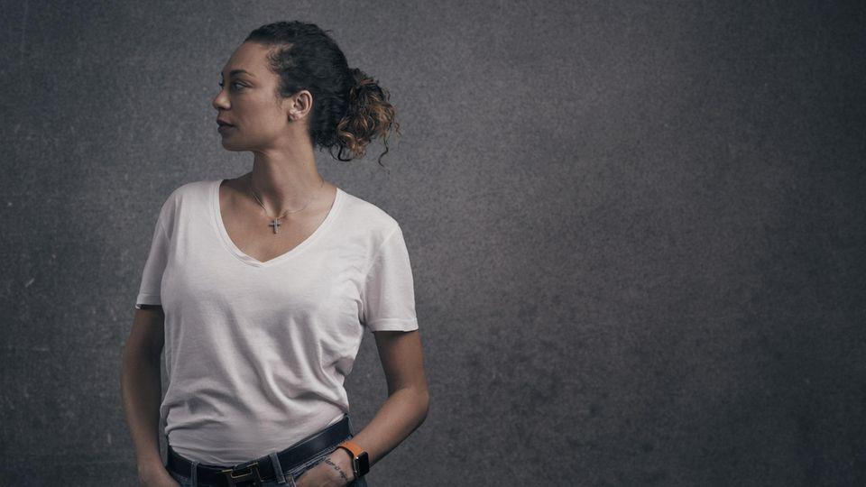 Lilly Becker beim Fototermin für dieses Interview. Vor dem Hotel in Wimbledon warteten Paparazzi auf sie