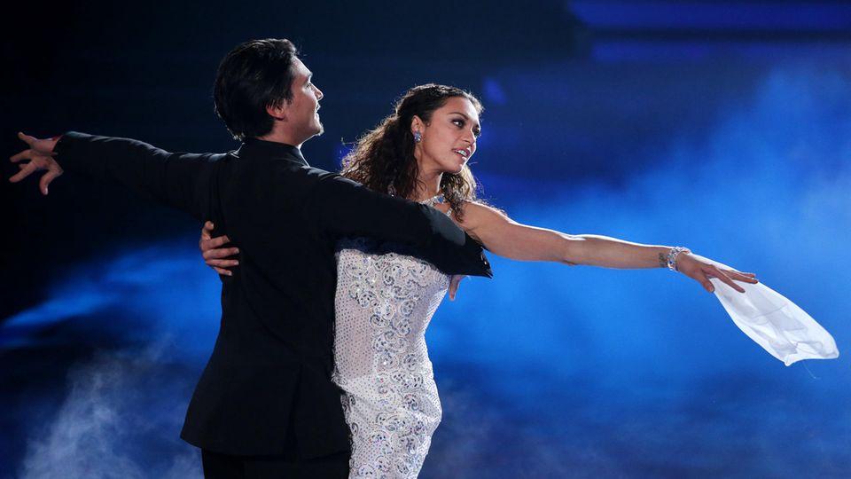 """Raus aus dem Schatten, rein ins Licht: Durch Shows wie """"Let's Dance""""wollte sich Lilly unabhängiger machen von ihrem berühmten Mann"""