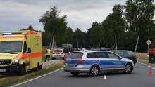 nachrichten deutschland - auto schleudert in radfahrer