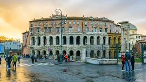 Viel Stein und jede Menge Geschichte: Das Teatro di Marcello wurde von Caesar in Auftrag gegeben und von Augustus um 11 v. Chr. geweiht