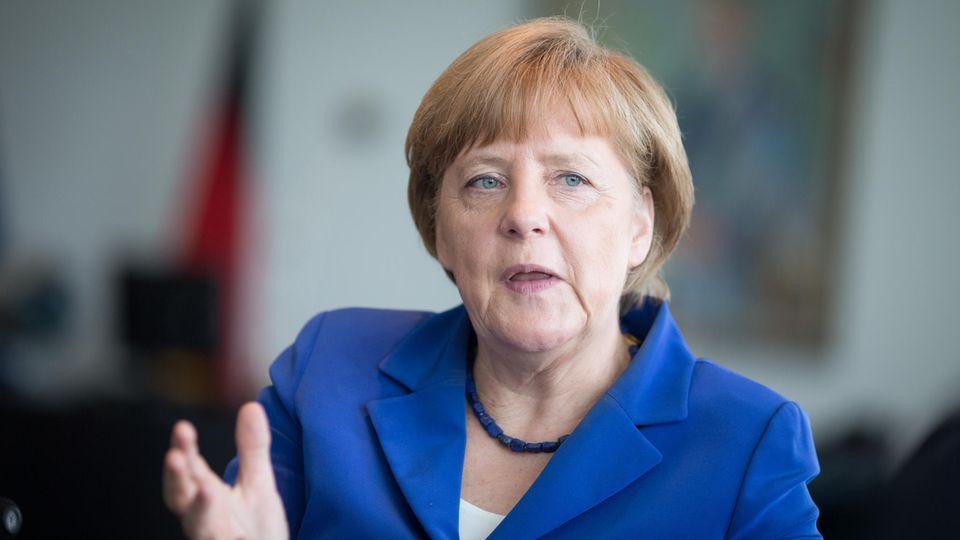 """Angela Merkel: Die Kanzlerin 2013 im NEON-Interview: """"Ich bin ein einfach zu beobachtendes Kind"""""""
