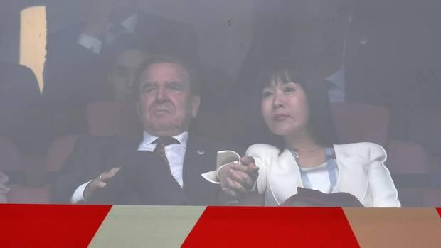 Gerhard Schröder mit Gattin Kim So-yeon