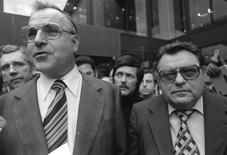 Helmut Kohl(l.) und Franz Josef Straußnach dem ersten Gespräch zwischen CDU und CSU nach dem Kreuther Beschluss