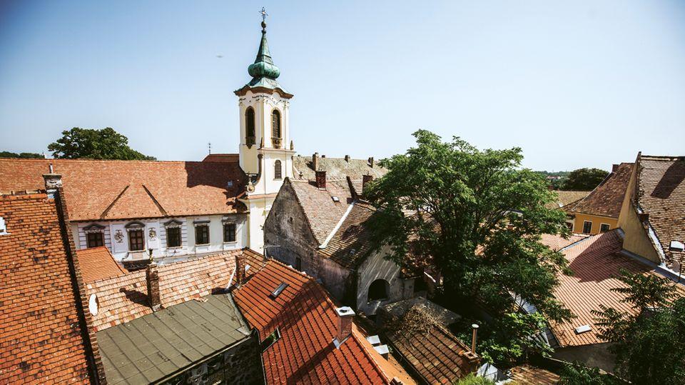 Das Dorf Szentendre hat eine pittoreske Altstadt – und gute Lángos, das ungarische  Fast Food.