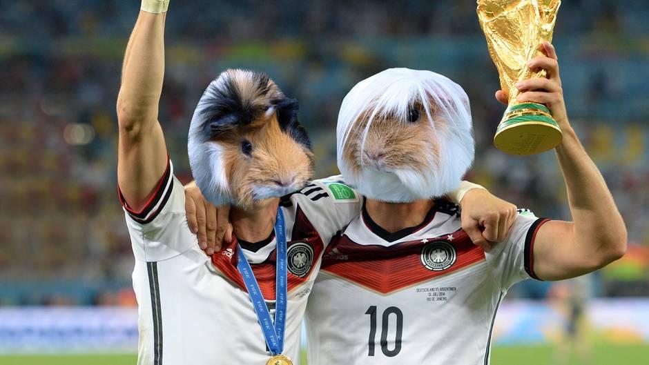 Das NEON-WM-Orakel: Deutschland gegen Mexiko: Schweini ist zurück - und sagt das Ergebnis voraus