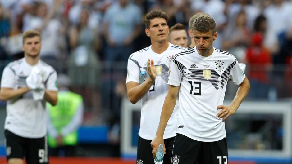 """0:1-Niederlage für Deutschland: #GERMEX-Reaktionen: """"Wer hat eigentlich den HSV in Deutschland-Trikots gesteckt?"""""""
