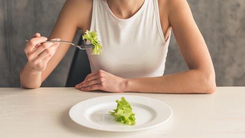 Bei der Orthorexie ernähren sich Betroffene krankhaft gesund