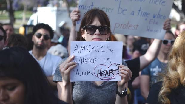 """""""Amerika, wo ist Dein Herz?"""": Protestaktion gegen die Familientrennungin Los Angeles"""