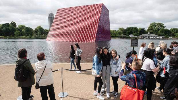"""The Mastaba by Christo"" in London"
