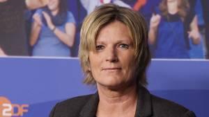 In den sozialen Netzwerken wird ZDF-Kommentatorin Claudia Neumann von vielen Usern übelbeleidigt