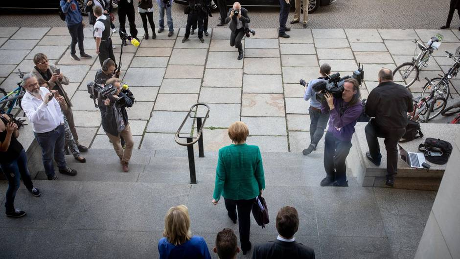 Regieren am Rande des Abgrunds: Bundeskanzlerin Angela Merkel