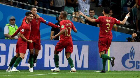 Ein Portugiese war angehalten, nach dem Ronaldo-Tor nicht das Spielfeld zu verlassen. Warum, weiß wohl nur Joao Moutinho.