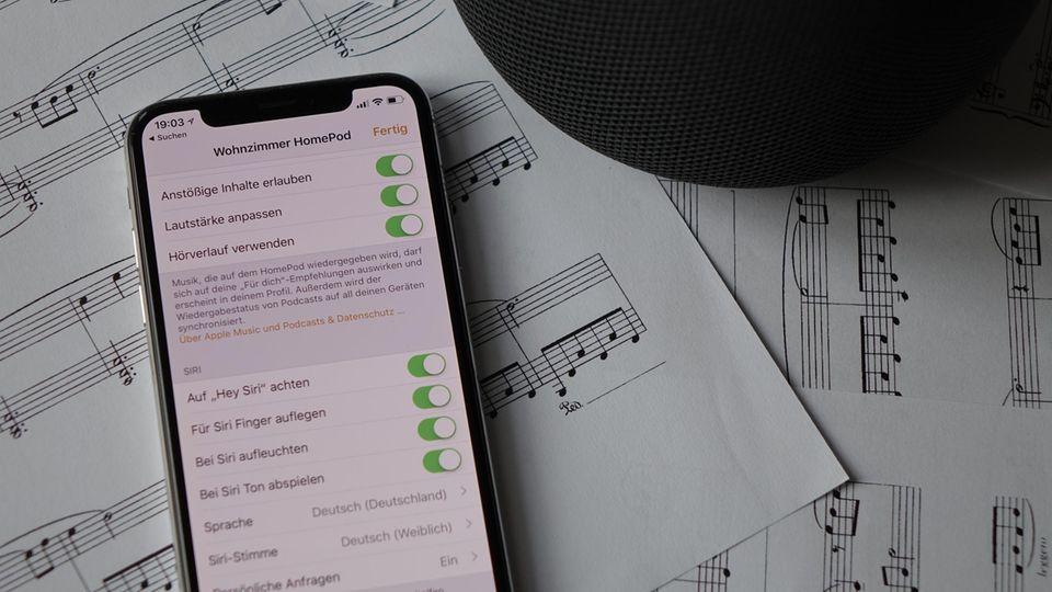 Auf dem iPhone kann man viele Details einstellen, etwa ob Siri auf die eingegangenen Nachrichten zugreifen darf.