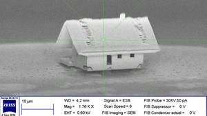 """Mit bloßem Auge ist das """"kleinste Haus der Welt""""nicht zu erkennen"""
