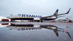 Ryanair-Flieger am Hamburger Flughafen