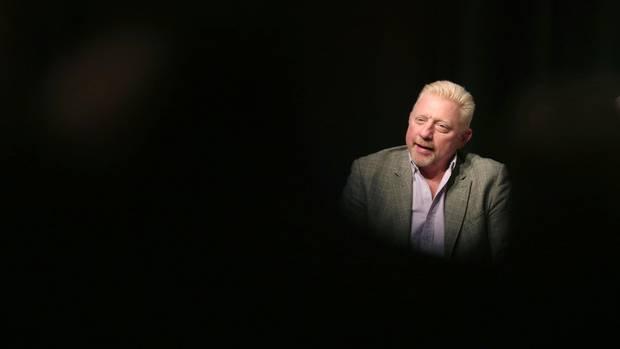 Boris Becker spricht auf einer Pressekonferenz