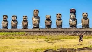 Steigender Meeresspiegel bedroht die weltberühmten Statuen auf der Osterinsel.
