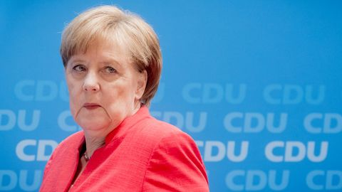 Die Schicksalstage der Republik - und von Angela Merkel