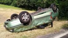 """In dem Unfall simulierten zwei junge Frauen die """"verletzten"""" Insassen."""