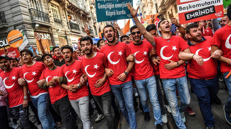 Erdogan-Anhänger in Istanbul, Türkei