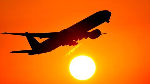 Auch wenn die Billigflieger bocken: Wer einen Flug nicht antritt, kann aber auf jeden Fall Steuern und Gebühren zurückfordern.